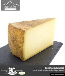 Lechtaler Almkäse   100% Heu und kräuterreiche Magerwiese   Lechtaler Naturkäserei in Tirol   100% Heumilch   55% F.i.T.